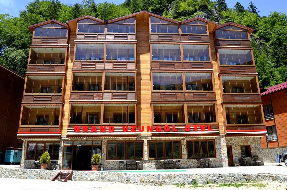"""فندق جراند اوزنجول """"Grand Uzungöl Otel"""""""